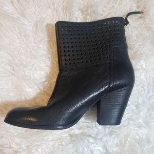 NINE WEST HIPPY CHIC BOOTIE BLACK LEATHER SZ 8